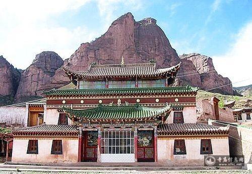 青海果洛拉加寺-寺庙信息网